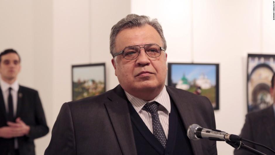 embajador-de-rusia-asesinato-turquicc81a-disparos1
